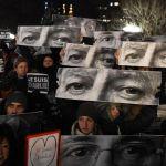 705692-manifestation-en-hommage-aux-victimes-de-l-attaque-terroriste-contre-charlie-hebdo-le-7-janvier-2015
